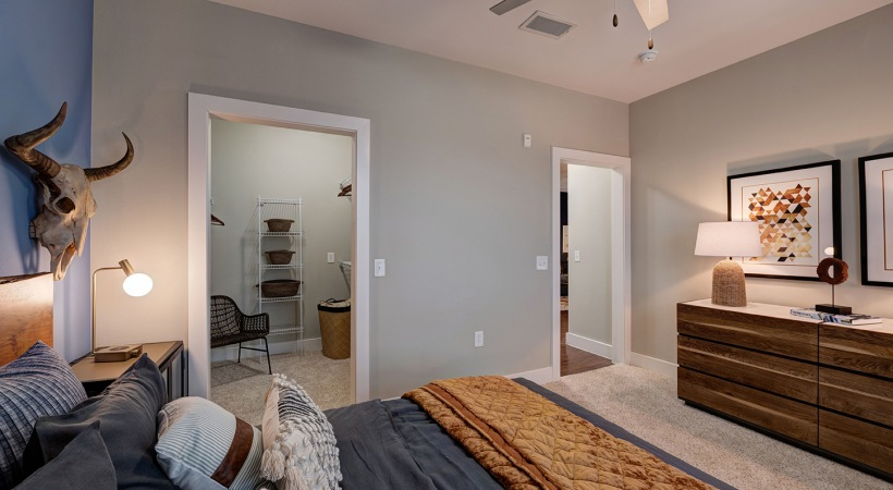 Spacious living areas at apartments in League City, TX