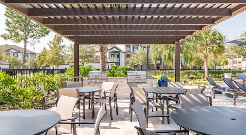 Outdoor kitchen at apartments for Rent in League City, TX