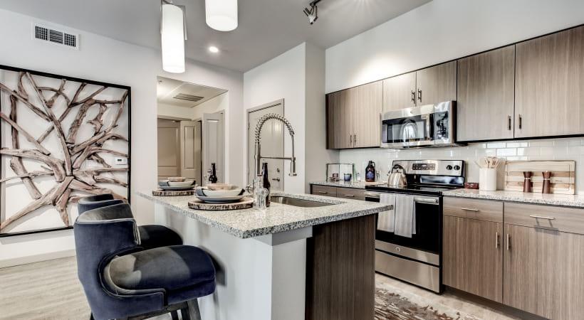 Kitchen Islands with Granite Countertops