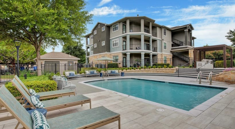 South Austin apartments with swimming pool