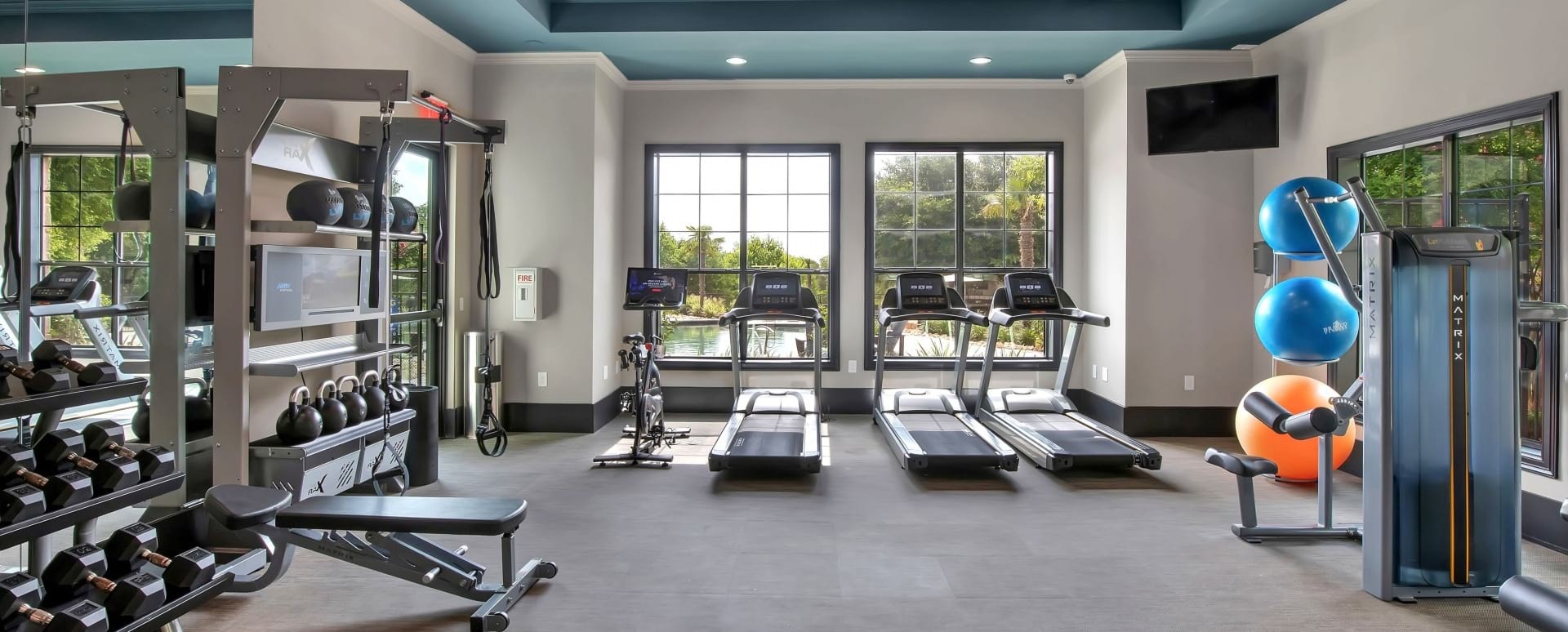 Fitness center at Cortland Southpark Terraces