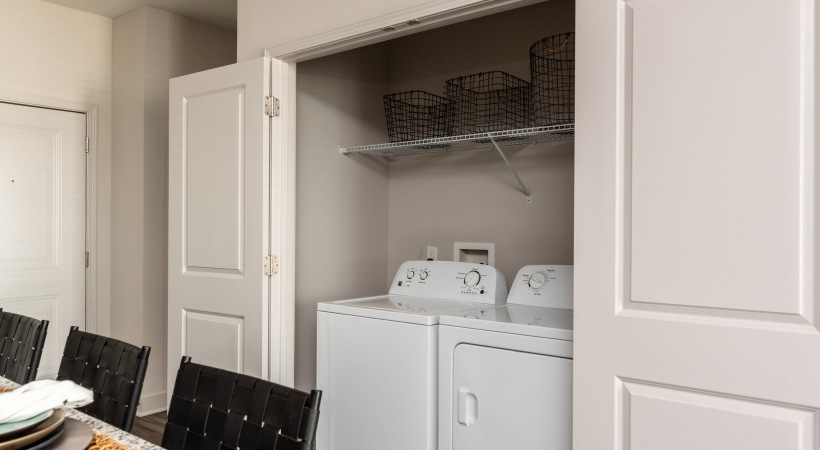 In-Home, Full-Size Washer and Dryer Sets