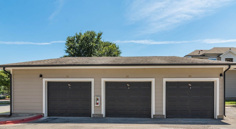 Detached garages at our apartments in Bluff Springs