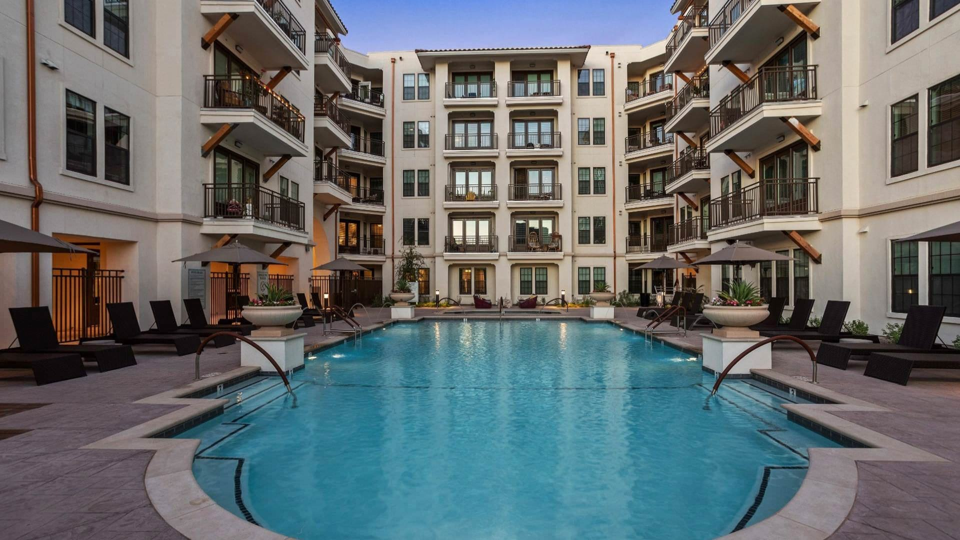 Scottsdale apartments with swimming pool