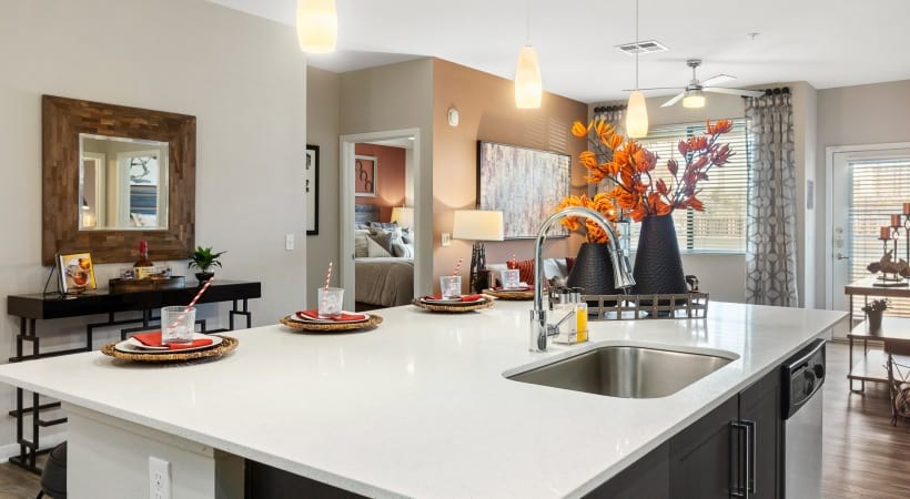 Kitchen Islands with Quartz Countertops
