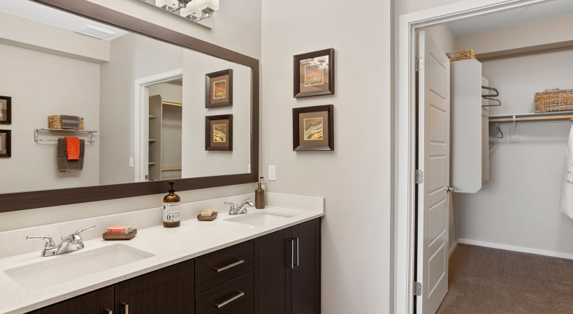 Bathrooms with Quartz Countertops