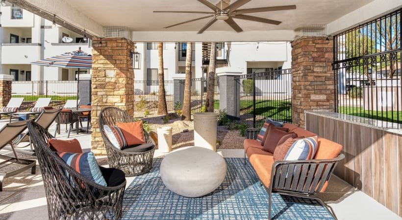 Outdoor lounge with sun deck at our luxury apartments in East Phoenix, AZ
