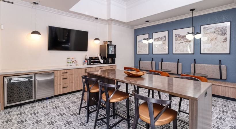 Resident clubhouse with HDTV at our Cortland Red Mountain apartments