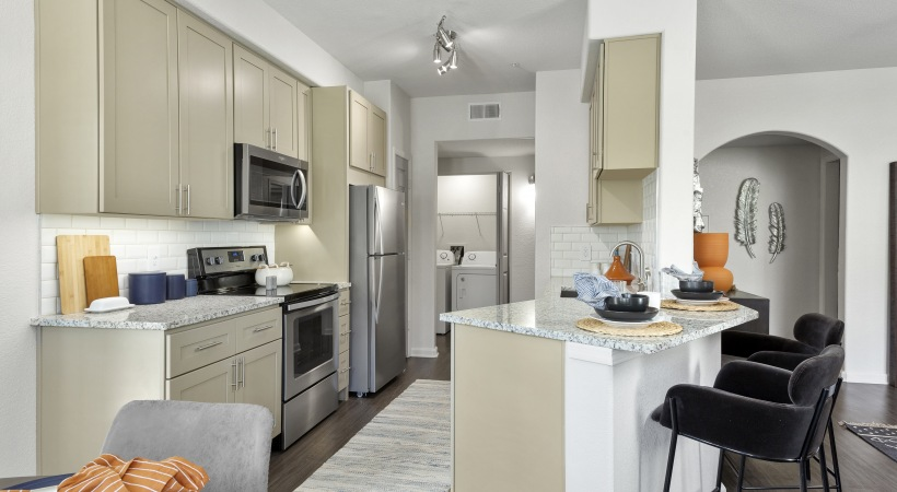 Renovated Kitchen with Engery-Efficient, Stainless Steel Appliances at Cortland Red Mountain Apartments