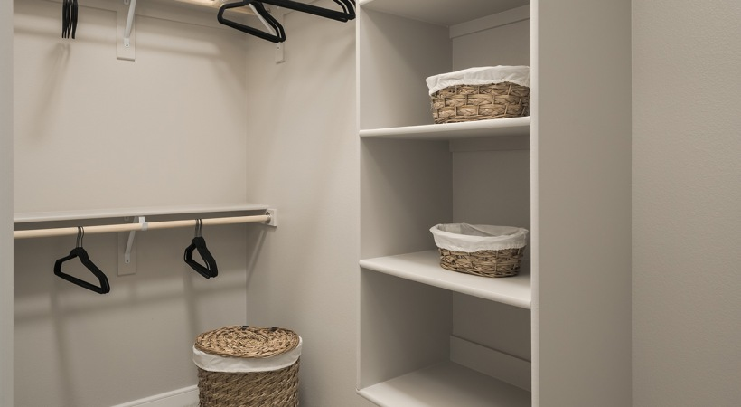 Scottsdale apartments with walk-in closets