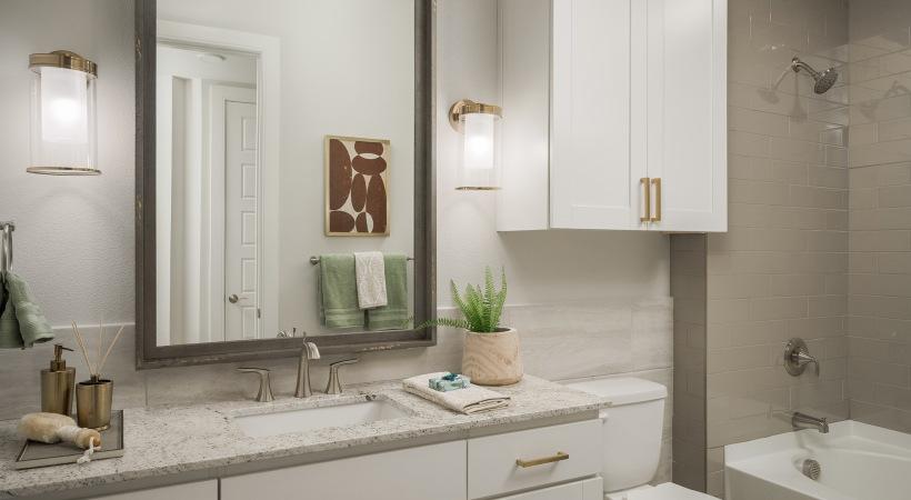 Spacious bathrooms at apartments in North Phoenix