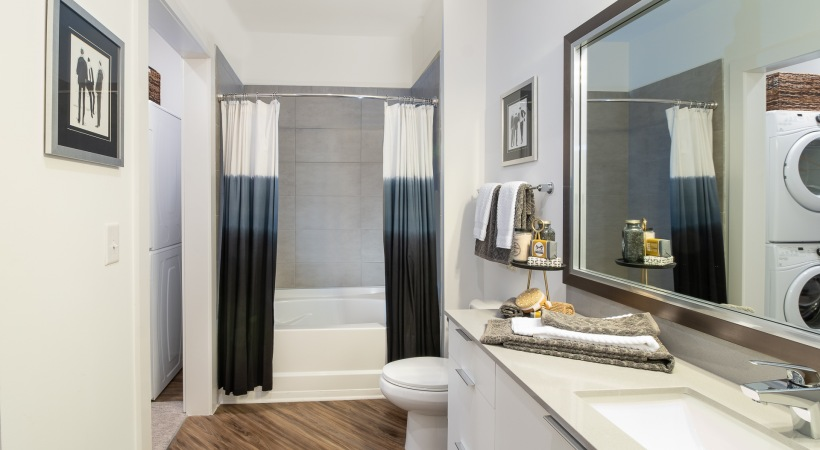 Spacious Bathroom with Deep Soaking Bathtubs