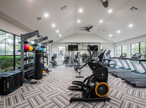24/7 Fitness Center at Cortland Apartments