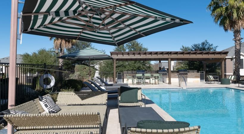 Apartments in San Antonio with a pool