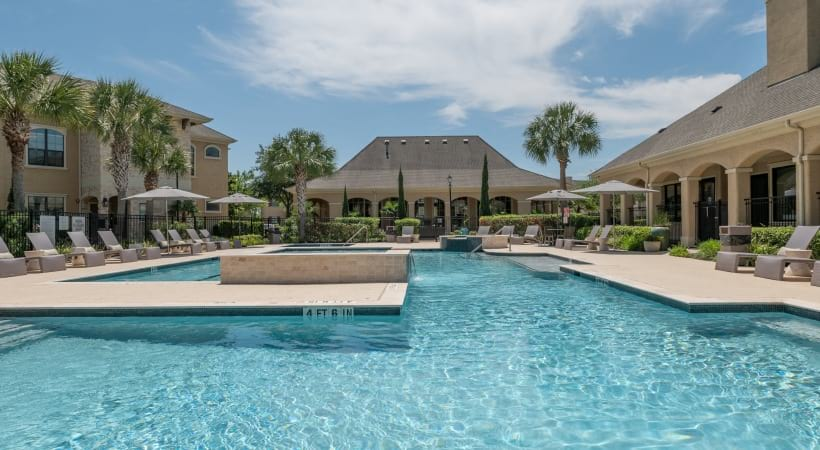 Resort-style pool at our Cinco Ranch apartments