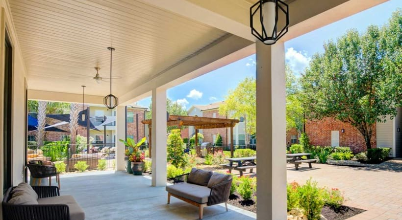 Outdoor lounge at apartments in Medical Center Houston, TX