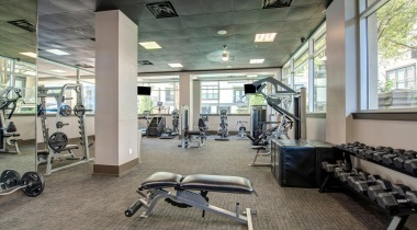 Houston Medical Center apartments with fitness center