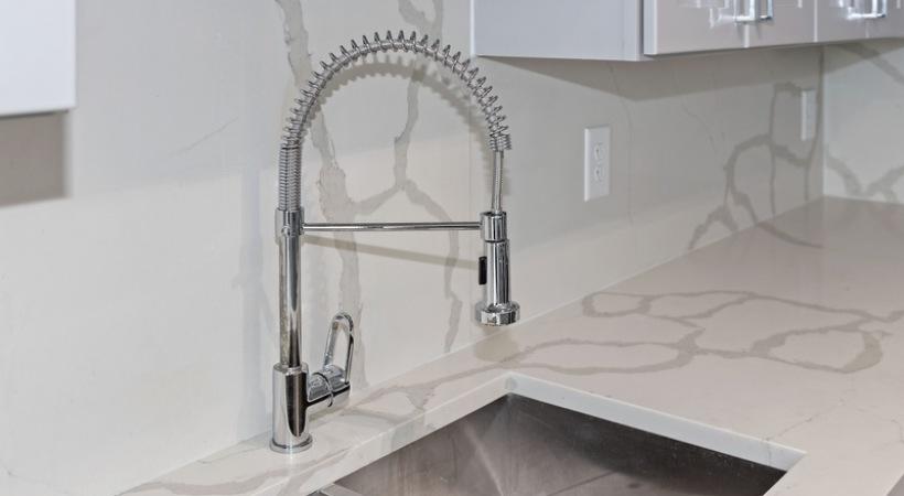 Luxury apartment kitchen at Cortland Vesta