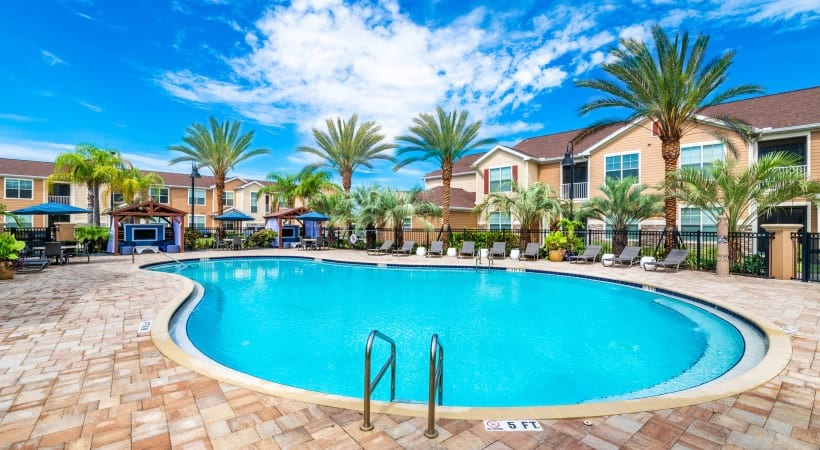 Orlando apartments with swimming pool