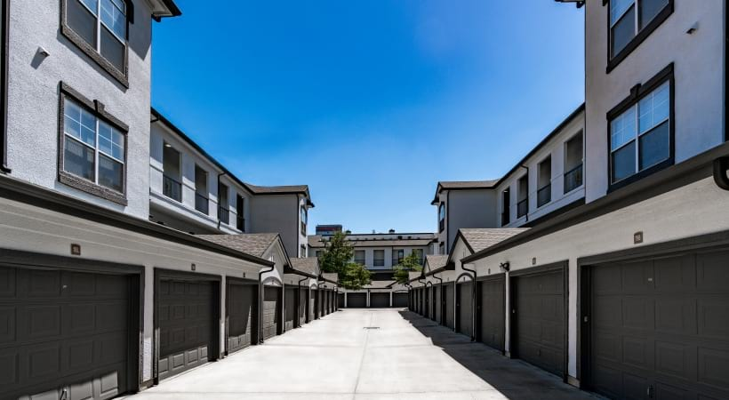Apartments for rent in Dallas, TX with attached garages