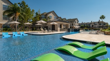 Willowbrook apartments with swimming pool