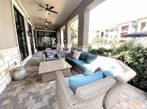 Outdoor resident lounge at apartments near Spring, TX