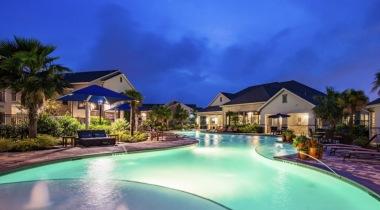 Cortland Avion Shadow Creek apartment pool in Pearland, TX