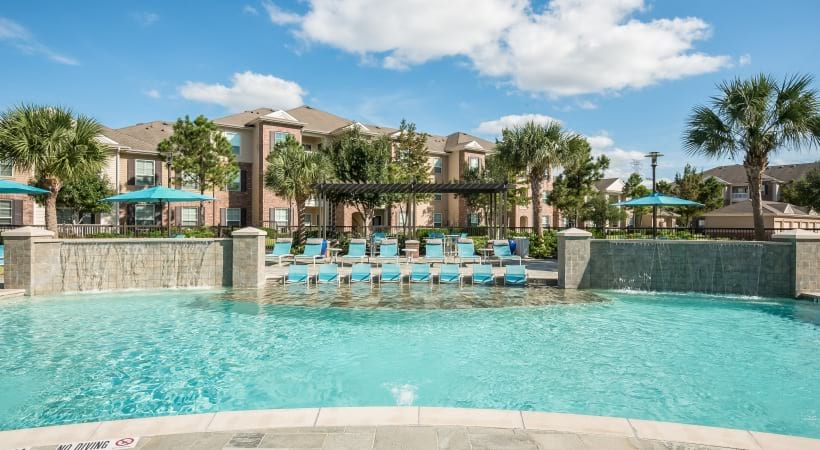 Resort style pool at apartments in League City
