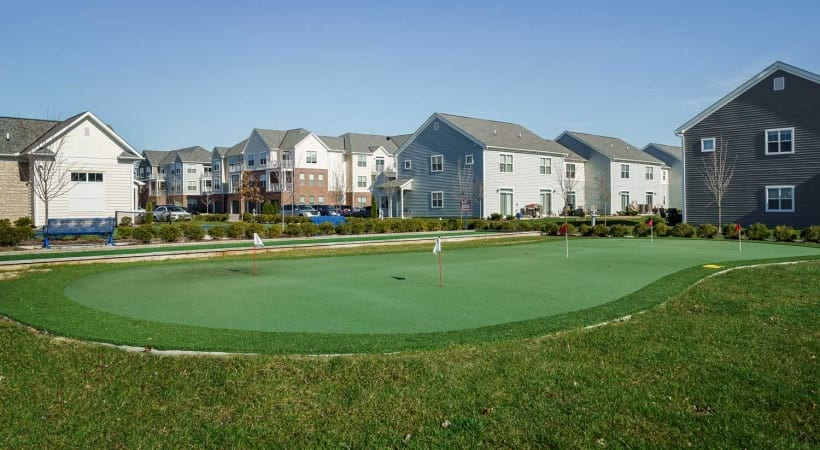 Putting Green Powell Grand Apartments