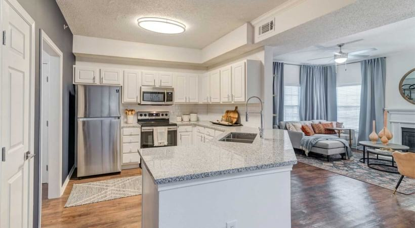 Valley Ranch apartments in Irving, TX with spacious granite kitchen islands