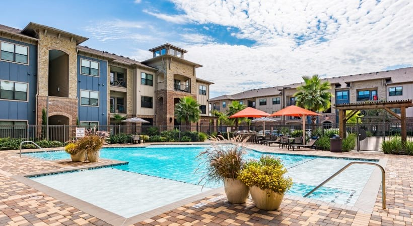 Cinco Ranch apartment with swimming pool
