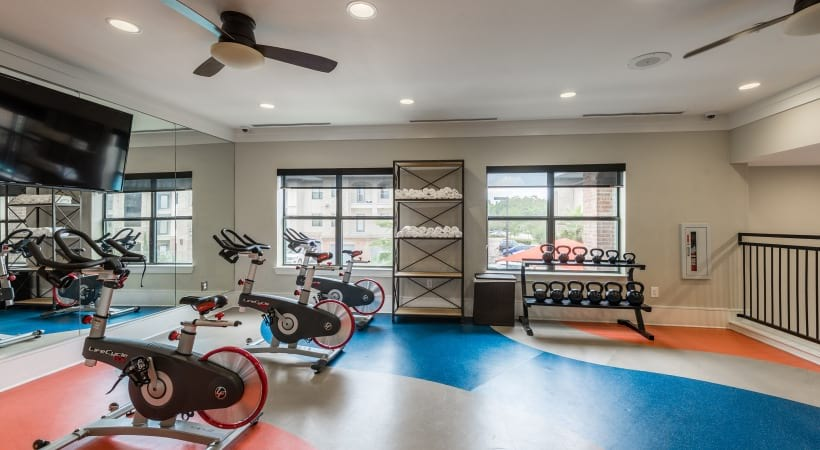 Apartments with gyms at Cortland Cinco Ranch