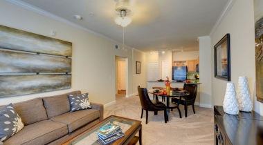 Spacious apartment floor plan at Cortland Halstead