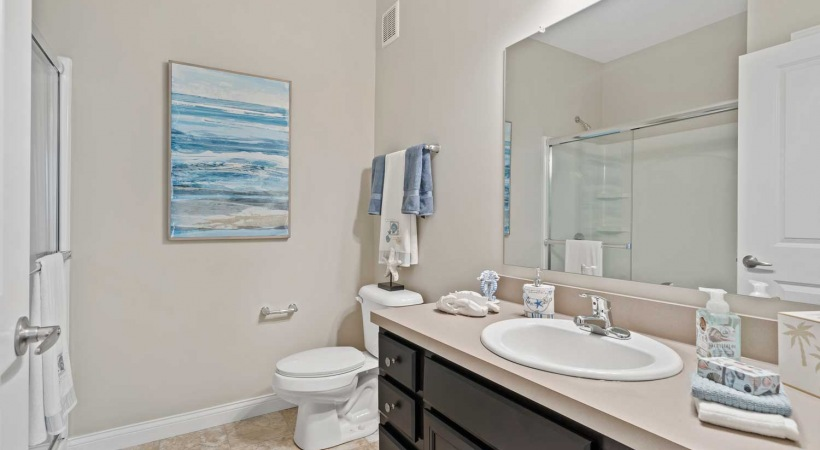 Bathroom with Walk-in Shower at Northlake Summit Apartments
