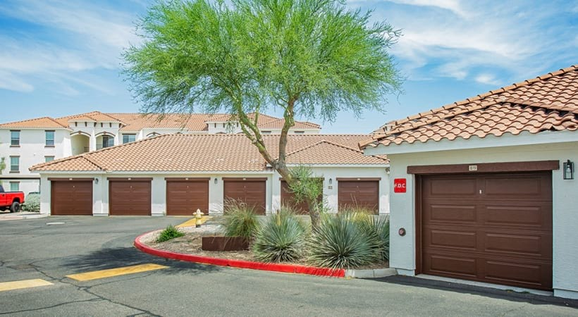 Apartments in Mesa, AZ with detached parking garages