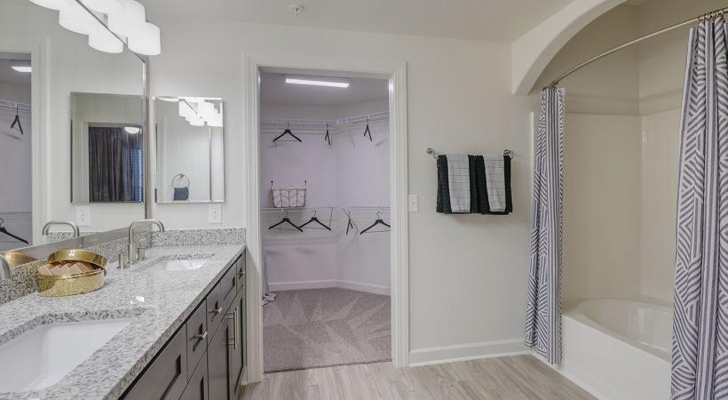 Cortland Apartments Bathroom