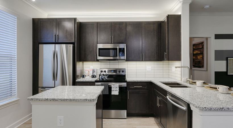 Modern apartment kitchen in Houston, TX
