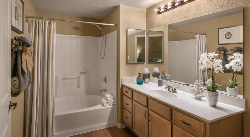 deep-soaking bathtubs at Cortland at Raven Apartments