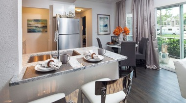 Apartments by Cortland Kitchen Breakfast Bar