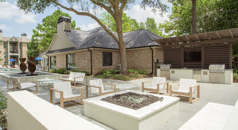 Outdoor lounge at apartments in Kingwood, TX