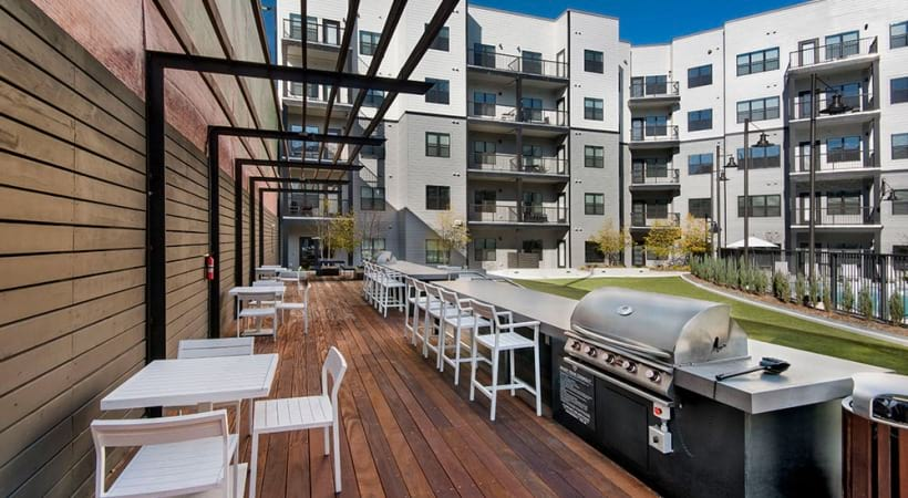 Outdoor Kitchen with Gas Grills at Our Smyrna Apartments