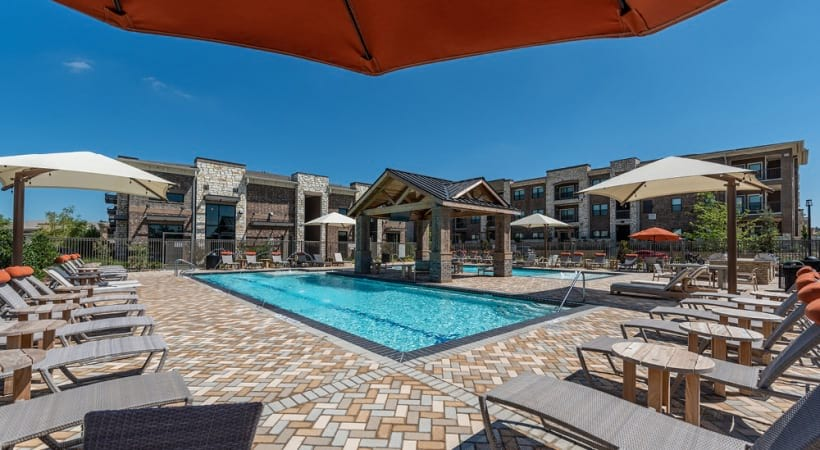 Our Little Elm apartments with pool with sun deck