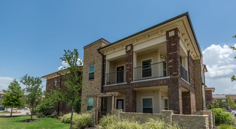Frisco apartments for rent with personal patios