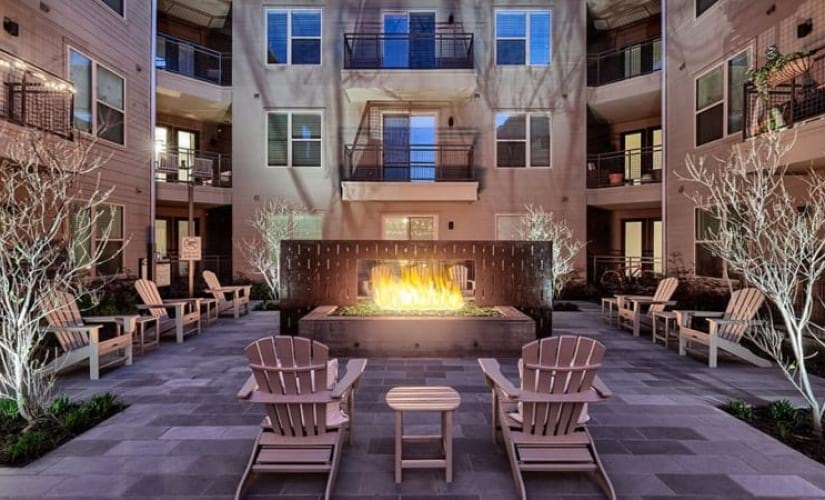 Outdoor Resident Lounge