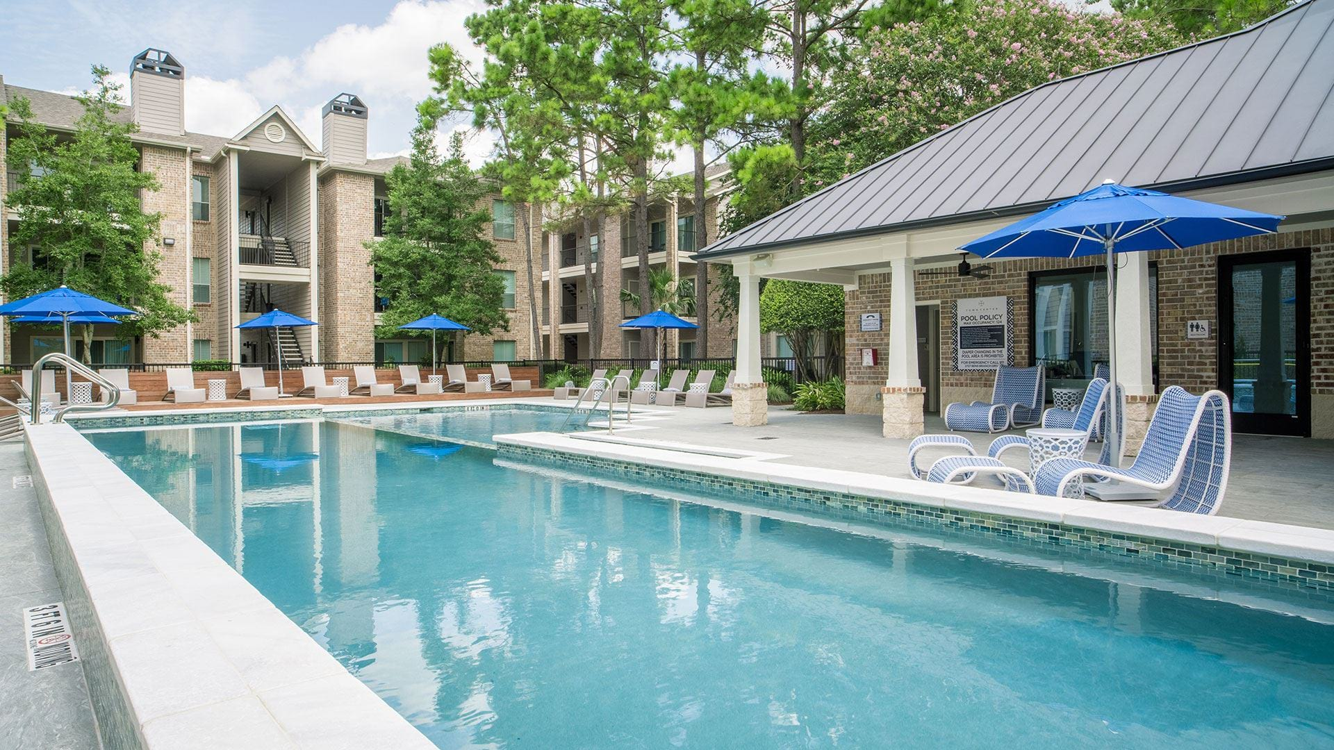 Kingwood apartments with pool