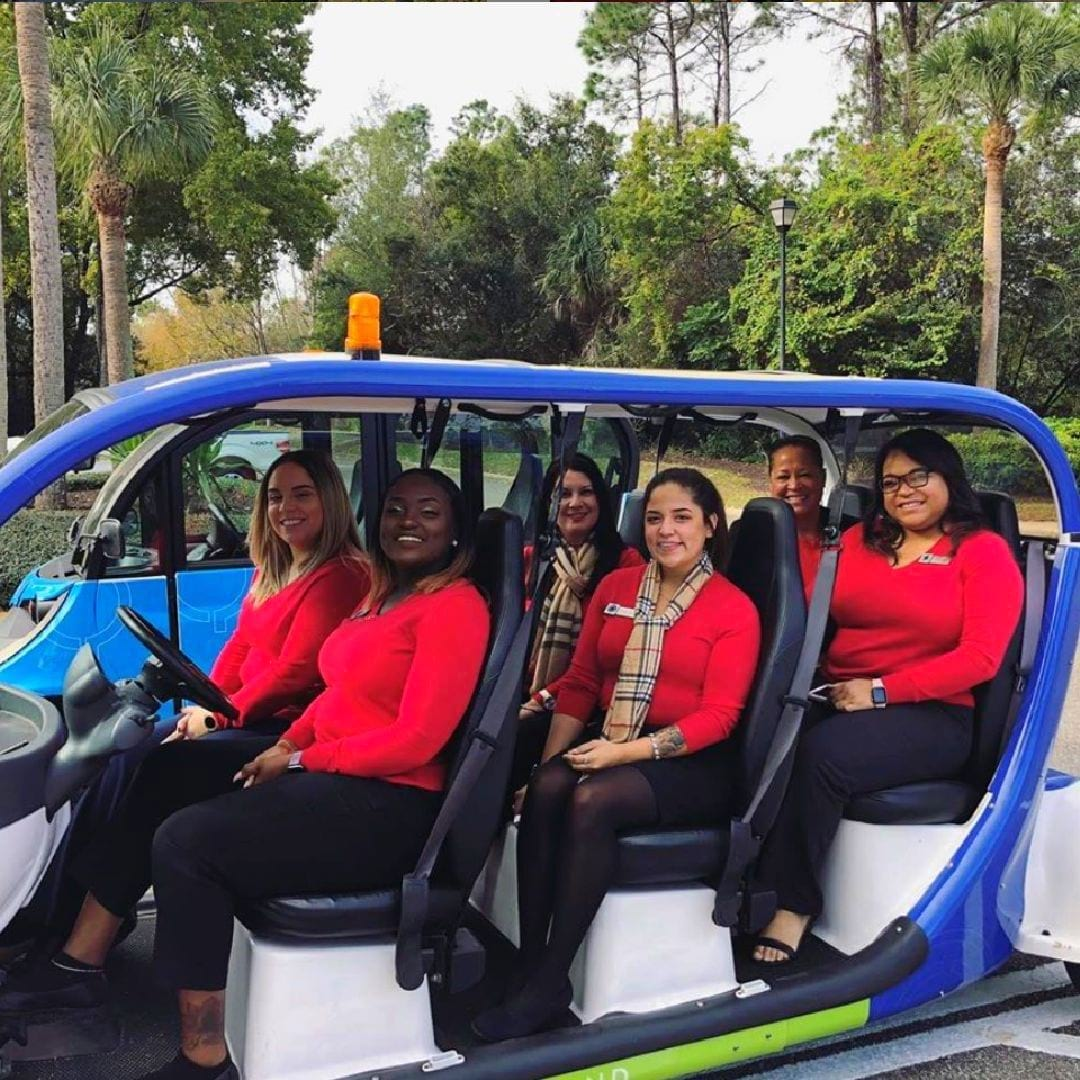 Our awesome team at @barringtonmirrorlake is ready to take you on a tour of their Florida Cortland community.
